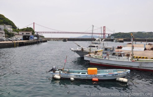 Hirado Bridge and harbor (Photo: Jan Haenraets)